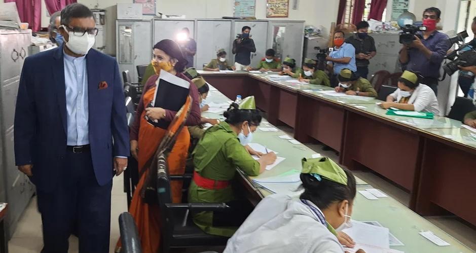 স্কুলগামী শিশুরাও পাবে ফাইজার-মডার্নার টিকা: স্বাস্থ্যমন্ত্রী